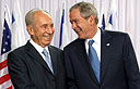 Peres and George W. Bush (Photo: Ariel Yerusalimsky)