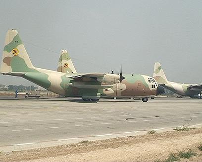 שדה התעופה הצבאי בנבטים. חשש ממטוסים אזרחיים באזור (צילום: אוהד אבידן)