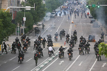 מהומות באיראן לאחר הבחירות הקודמות (צילום: פרמרז השמי)