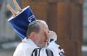 Chief Rabbi of Romania Menachem Hacohen during ceremony (Photo: AP)