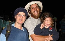 Ido Zoldan with his wife Tehila and son Aharon (Reproduction photo: Yossi Dagan, Homesh First)