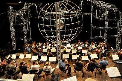 התזמורת הגדולה והמוכרת בישראל. התזמורת הפילהרמונית (צילום: בן קלמר)