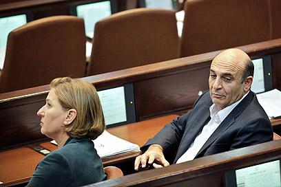 מופז קרא לחופש הצבעה, לבני והסיעה החליטו להתנגד (צילום: נועם מושקוביץ)