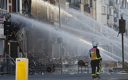 רחובות לונדון בתום גל ההתפרעויות ב-2011 (צילום: AFP )