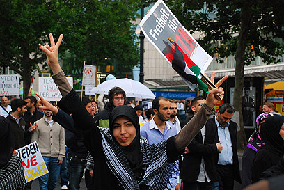 Islamists march in Berlin (Photo: Zach Goldberger)