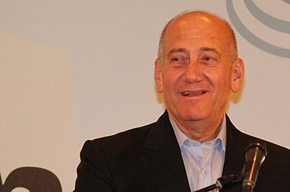 """אולמרט בוועידה. """"מדינת ישראל זקוקה לשינוי יסודי"""" (צילום: אלי אלגרט)"""