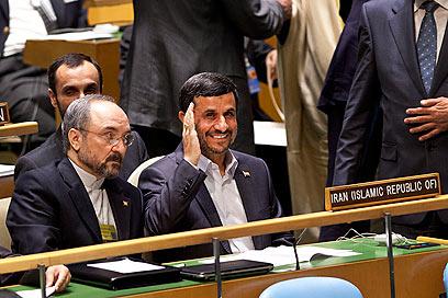 """אחמדינג'אד בעצרת האו""""ם בשנה שעברה. שוב יספק נאום שטנה? (צילום: AP)"""