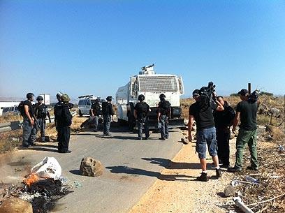 כוחות שיטור, הבוקר באזור המסגד (צילום: מאור בוכניק)