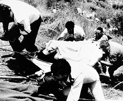 """הפיגוע בקו 405, יולי 1989. """"תחושה קשה למשפחות"""" (צילום: AP)"""