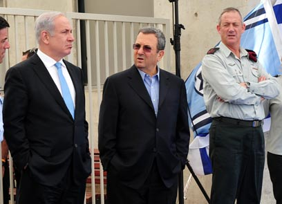 Netanyahu and Barak. Planning attack? (Photo: Ariel Hermoni, Defense Ministry)