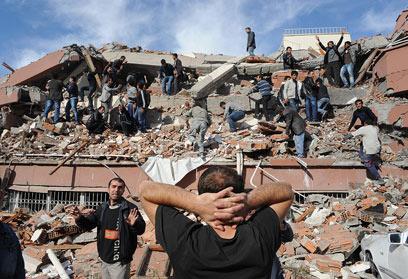 ההרס בלתי ניתן לעיכול. טורקיה, בצהריים (צילום: AP)