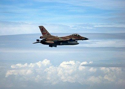 """מטוס קרב ישראלי בתרגיל בשמי איטליה (צילום: דובר צה""""ל)"""