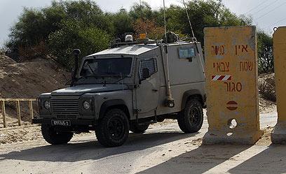ג'יפ צבאי לאחר תקרית הירי בגדר המערכת (צילום:  צפריר אביוב)