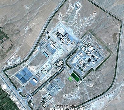 וכך התפתח מתקן המים הכבדים באראק עד אוקטובר 2011 (צילום: google maps)