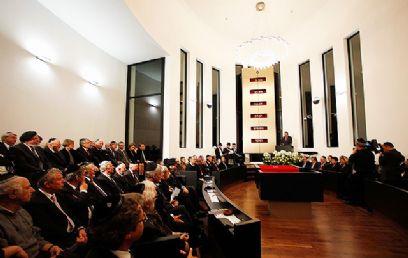נשיא גרמניה לצד חברי ממשלה רבים ומאות מיהודי גרמניה הגיעו לחנוכת בית הכנסת (צילום: באדיבות משה פרידמן – ועידת רבני אירופה)
