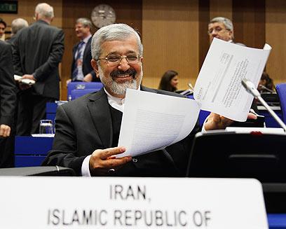 """עלי אשגר סולטנייה, שליח איראן לסבא""""א. הדו""""חות לא מטרידים אותו (צילום: AP)"""