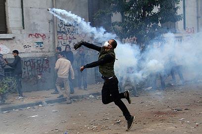 למרות המהומות, הבחירות לפרלמנט יתקיימו כסדרן (צילום: רויטרס)