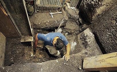 עבודות החפירה  (צילום: ולדימיר נייחין)
