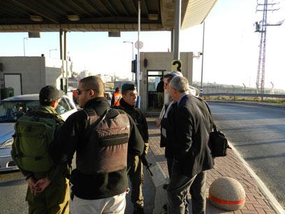 """""""המחסומים הפכו לכלי למרור חיי המתיישבים"""" (צילום: אריק בן שמעון, איחוד לאומי)"""