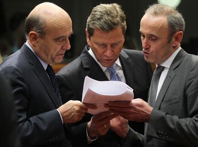 שרי החוץ של גרמניה וצרפת, היום בבריסל (צילום: AP)