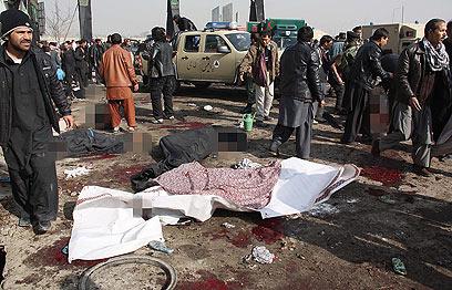 ובקאבול, אפגניסטן, האבל היום היה כפול בגלל הפיגוע (צילום: EPA)