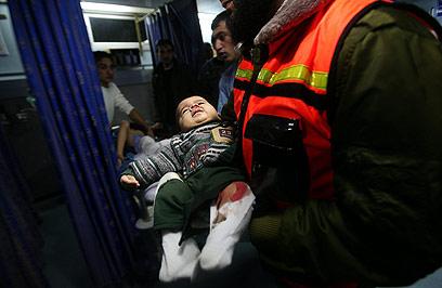 7 ילדים נפצעו בתקיפת חיל האוויר (צילום: EPA)