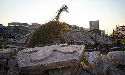 עבודות ההריסה בכיכר בטהרן