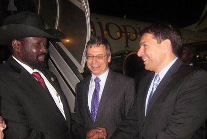 """נשיא דרום סודן, לצד סגן שר החוץ דני אילון וח""""כ דנון"""