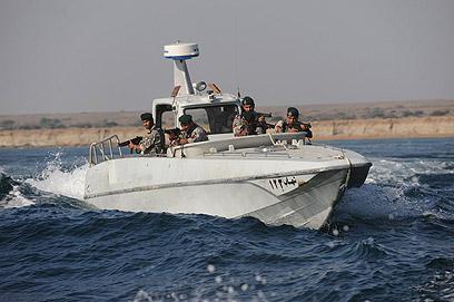 סירה של חיל הים האיראני במצרי הורמוז. ארכיון (צילום: MCT)