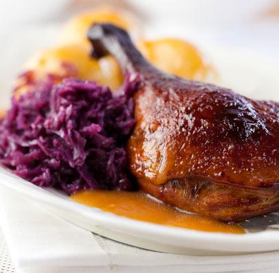 זה לא יול בלעדיהם. ברווז צלוי ותבשיל כרוב אדום (צילום: shutterstock)
