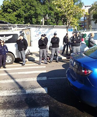 הפשיטה על בית אבו סייף (צילום: באדיבות אתר yomnet.net)