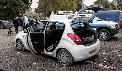 """""""חשבתי שאמות"""". מכוניתה של משיח (צילום: נועם מושקוביץ)"""