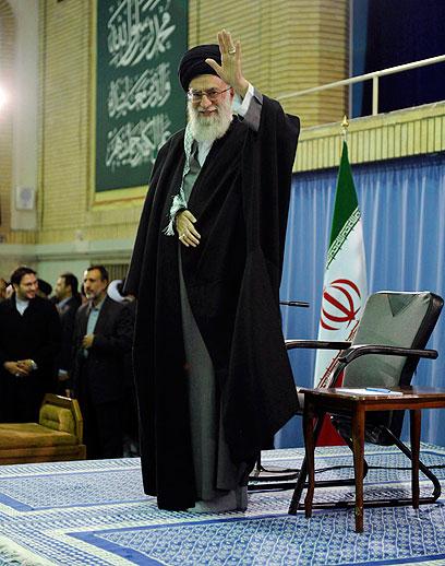 המנהיג העליון של איראן חמינאי. הכל שקרים? (צילום: רויטרס)