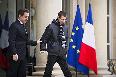 """סרקוזי ושליט בצרפת. כינה אותו """"בנה של צרפת"""" (צילום: AFP)"""