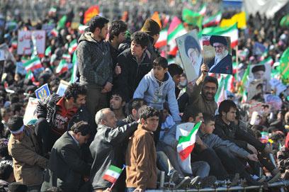 חגיגות 33 שנה למהפכה, טהרן, היום (צילום: MCT)