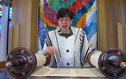 Rabbi Julie Schonfeld (Photo: Ashira Konigsburg)
