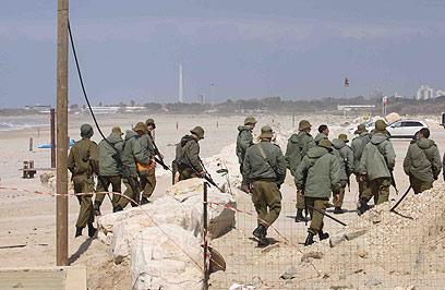 החיפושים אחרי החייל הנעדר, היום (צילום: עידו ארז)