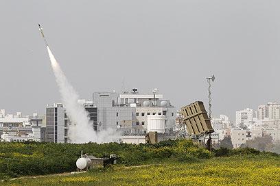 כיפת ברזל בפעולה הבוקר באשדוד (צילום: רויטרס)