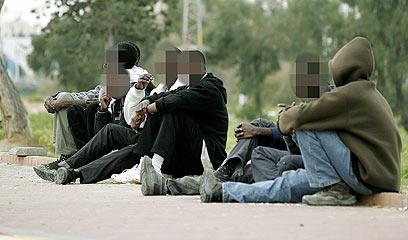 מבקשי מקלט באשדוד. רק פליט אחד אושר ב-2011 (צילום: אליעד לוי)