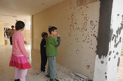 """חזרה לבית הספר. """"נורא שנפל עלינו טיל"""" (צילום: הרצל יוסף)"""