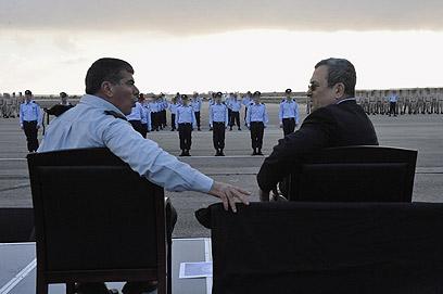 ברק ואשכנזי. שאלת השנה הנוספת חוללה מהומה (צילום: אריאל חרמוני, משרד הביטחון)