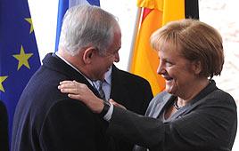 Prime Minister Benjamin Netanyahu with German Chancellor Angela Merkel (Photo: GPO)