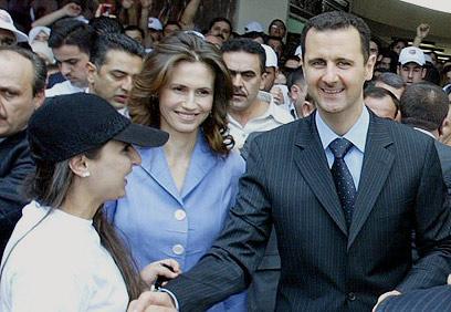 תומכת בבעלה. בשאר ואסמה אסד (צילום: איי אף פי)