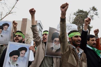 המיליציה העממית. מסייעת בעתות משבר (צילום: AFP)