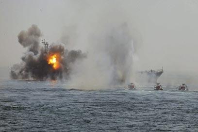 התרגיל הקודם של חיל הים האיראני במפרץ (צילום: AP)