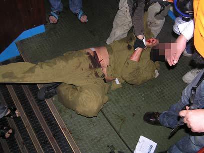"""חטיפת אחד מחיילי צה""""ל באירועי המרמרה לפני שנתיים וחצי (צילום: AFP)"""