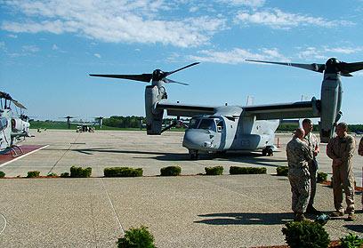 עם שני רוטורים. ה-V-22 אוספרי (צילום: חנן גרינברג)
