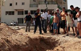 Grad attack in Ashkelon (Photo: Tsafrir Abayov)