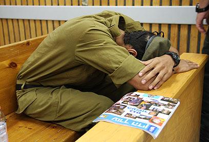 אחד החיילים המואשמים ברכישת המחשבים הגנובים (צילום: אבישג שאר-ישוב )