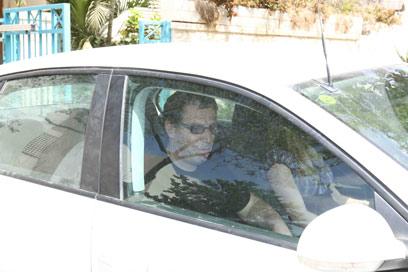 הרפז לאחר שחרורו ממעצר (צילום: אוהד צויגנברג)